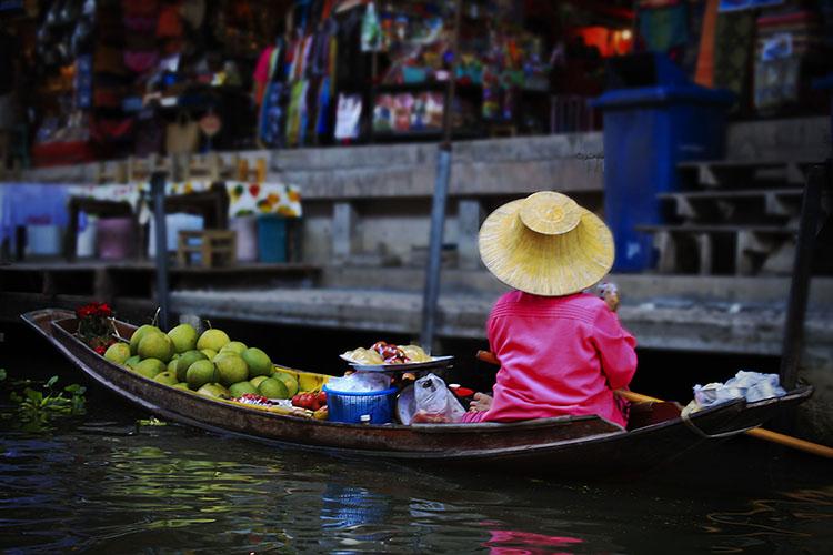 Bangkok: The Floating Market