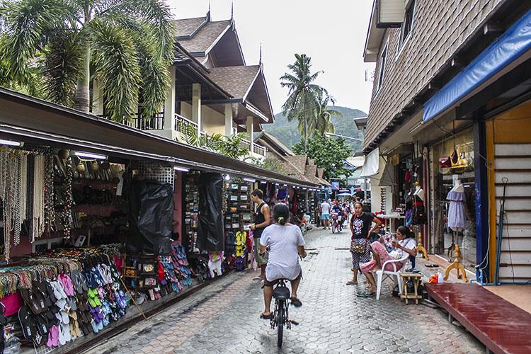 streets of koh phi phi