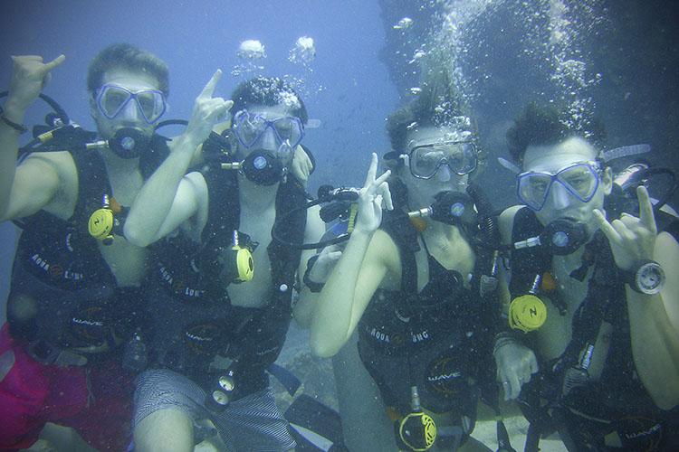 2011.06.19 scuba 074b 750x500