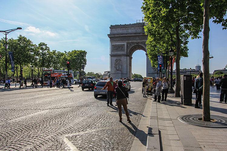 Arc de Triomphe - Paris France - Wanderlusters