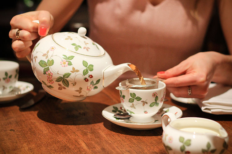 Ladies Tea Time: Afternoon Tea in London