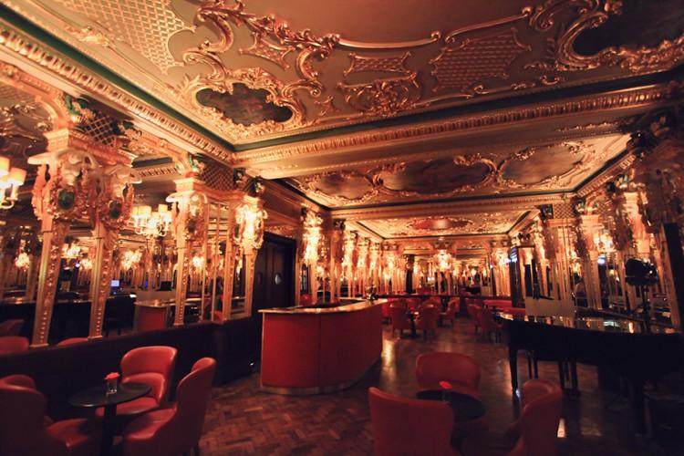 Oscar Wilde Bar London - Wanderlusters (950x633)