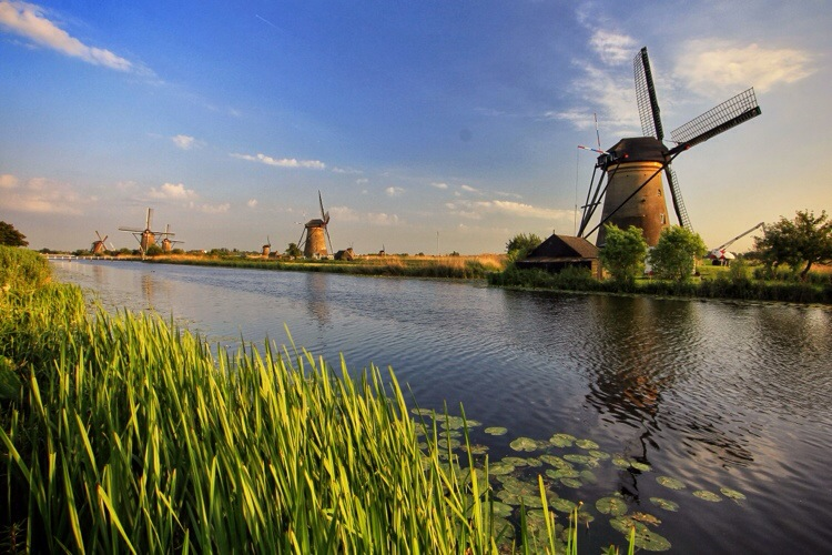Netherlands: The Windmills of Holland