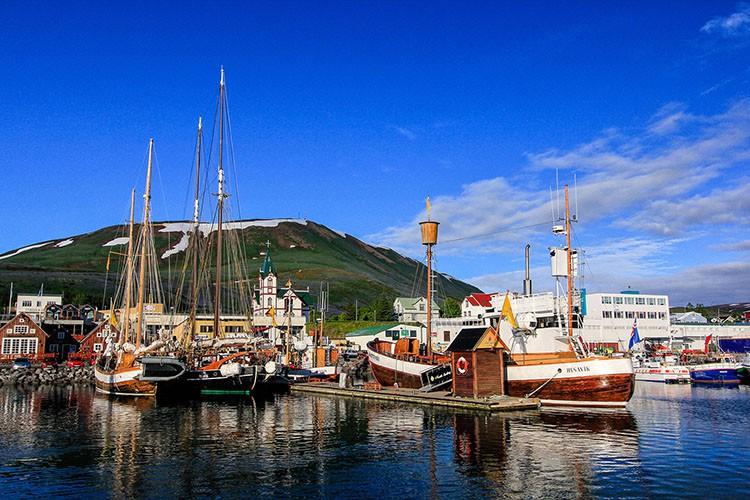 Husavik Boats - Iceland - Wanderlusters (750x500)