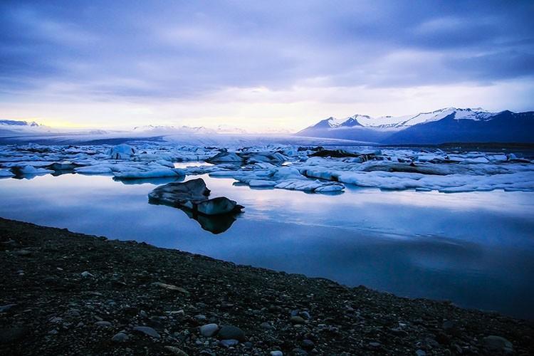 Jokulsarlon Glacier Lagoon Midnight Sun - Iceland - Wanderlusters (750x500)