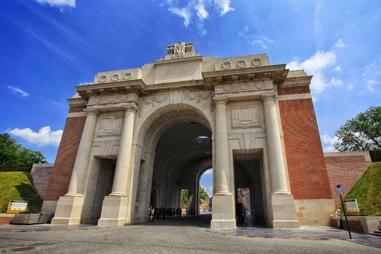 Menin Gate - Ypres - Belgium - Wanderlusters (950x633)
