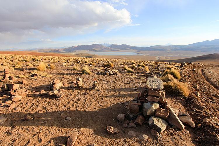 Bolivia Salt Flats Tour Viewpoint 4855 - Wanderlusters