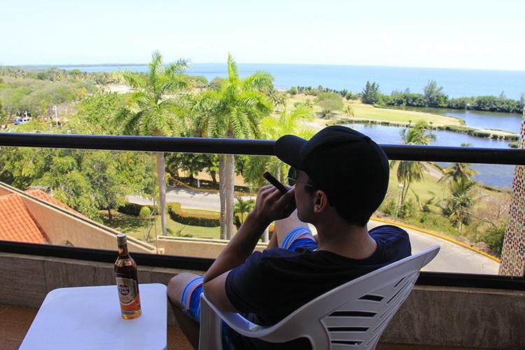 Cuba - Cigars in Varadero - Wanderlusters 9.28.56 PM