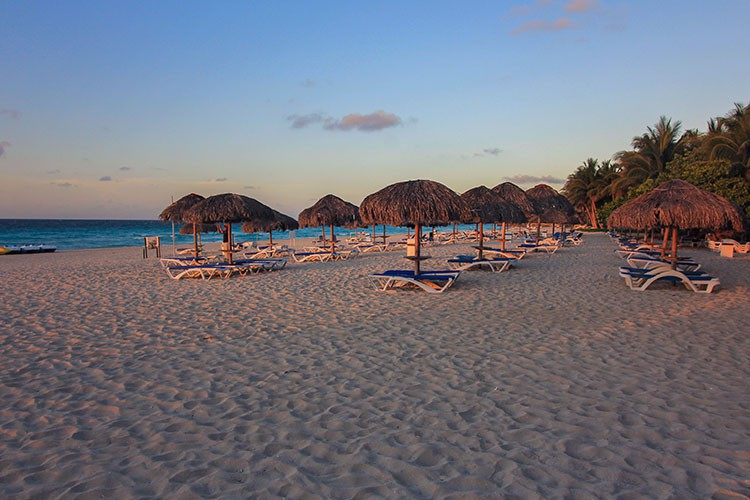 Cuba - Varadero Beach Sunset - Wanderlusters (750x500)