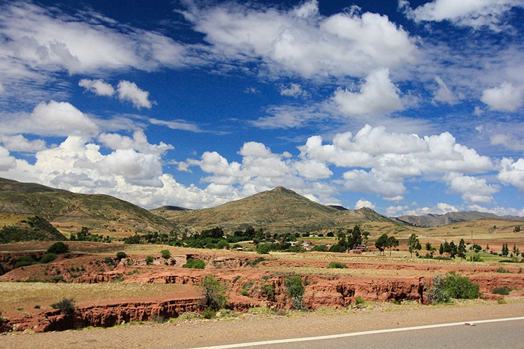 Drive from Potosi to Sucre - Bolivia - Wanderlusters