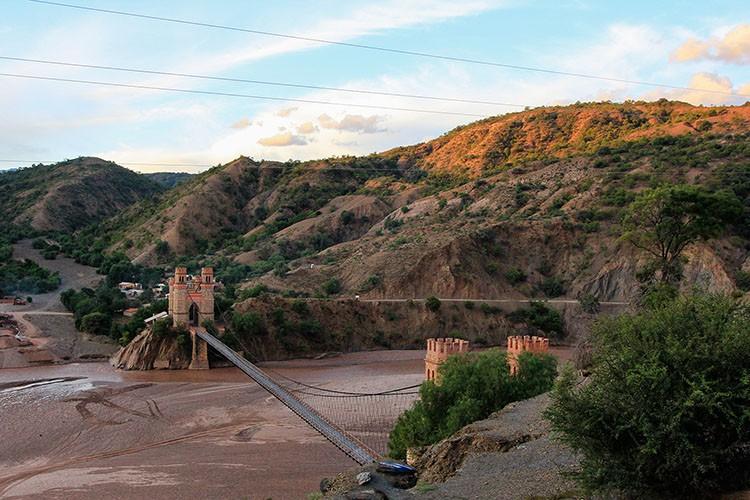 Drive from Potosi to Sucre Bridge - Bolivia - Wanderlusters