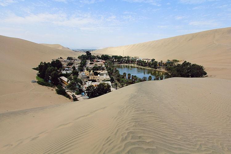 Pustinje - Page 3 Huacachina-Desert-Oasis-1-Peru-Wanderlusters-750x500