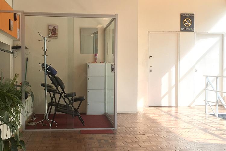 La Paz Airport Massage Chairs - Bolivia - Wanderlusters