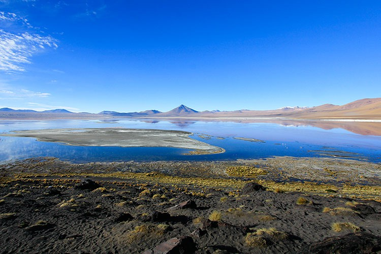 Red Lagoon without Wind - Bolivia Salt Flats Tour - Wanderlusters