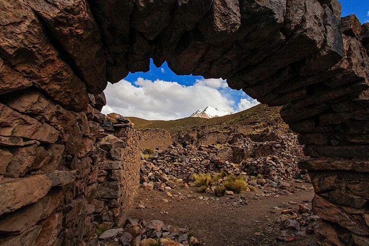 San Antonio de Lipez Volcano - Bolivia Salt Flats Tour - Wanderlusters