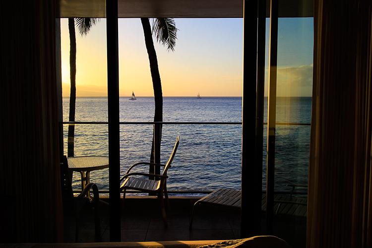Aston Mahana Oceanfront View Room at Sunset - Maui Hawaii - Wanderlusters (750x500)