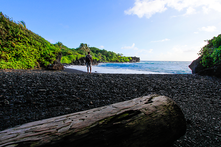 Black Sand Beach - Road to Hana - Maui Hawaii - Wanderlusters (750x500)