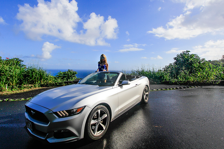 Ford Mustang Convertible - Maui Hawaii - Wanderlusters (850x500)