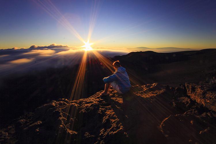 Haleakala Sunrise in Maui Hawaii - Wanderlusters (750x500)