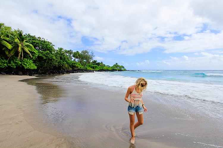 Hamoa Beach on Road to Hana - Maui Hawaii - Wanderlusters (750x500)