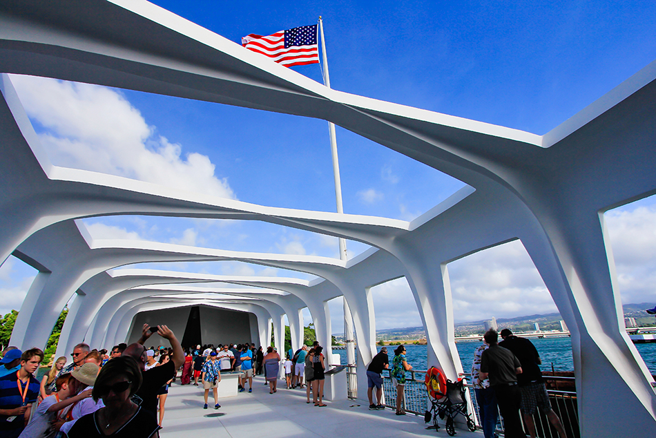 Pearl Harbor USS Arizona Memorial - Oahu Hawaii - Wanderlusters (950x633)