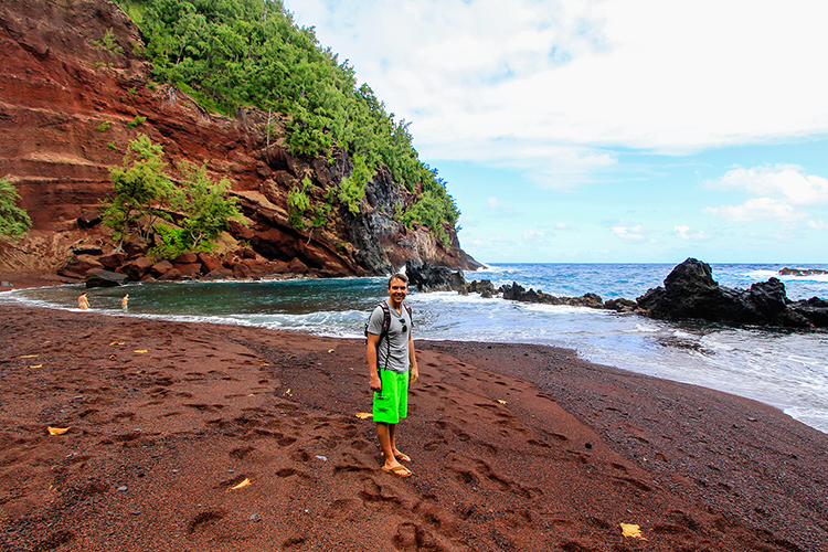 Red Sand Beach - Hana Town - Road to Hana - Maui Hawaii - Wanderlusters (750x500)