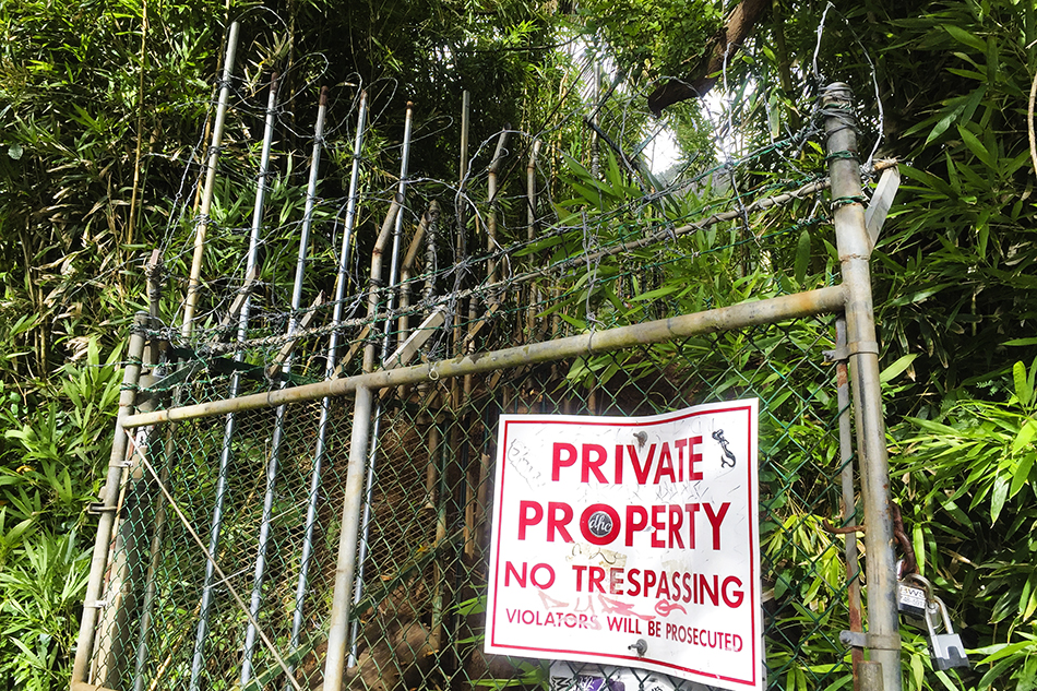 Trespassing Haiku Stairs - Hawaii - Wanderlusters