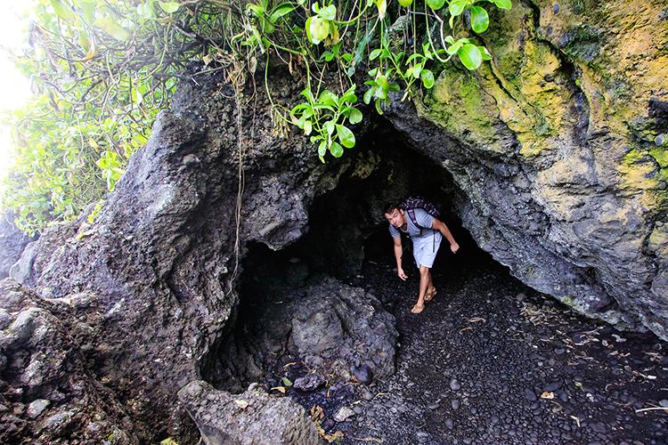 Waianapanapa Park Lava Tubes - Road to Hana - Maui Hawaii - Wanderlusters (750x500)