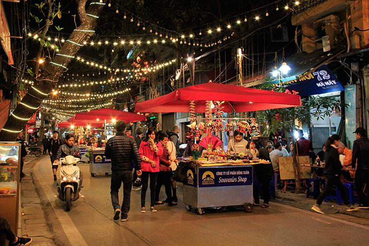 Hanoi Night Market - Vietnam - Wanderlusters