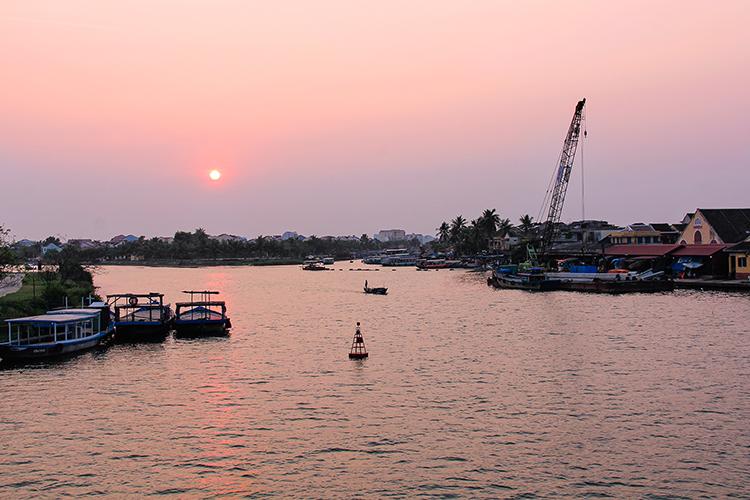 Hoi An Sunset - Vietnam - Wanderlusters