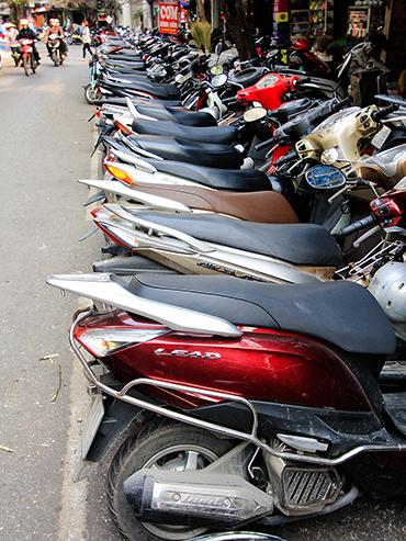 Motorcycles in Hanoi - Vietnam - Wanderlusters (3x4)