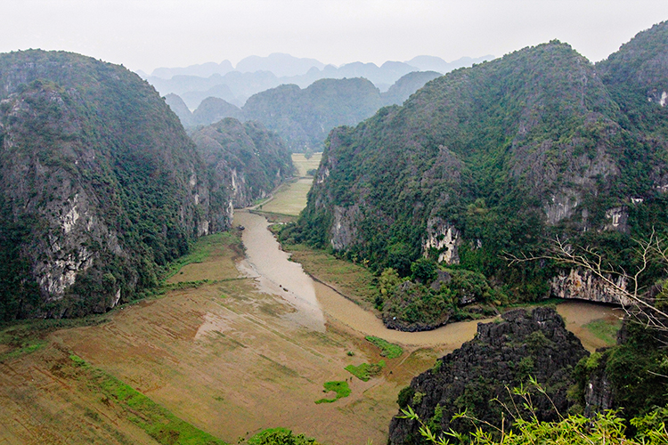 Ninh Binh: Floating Down the River
