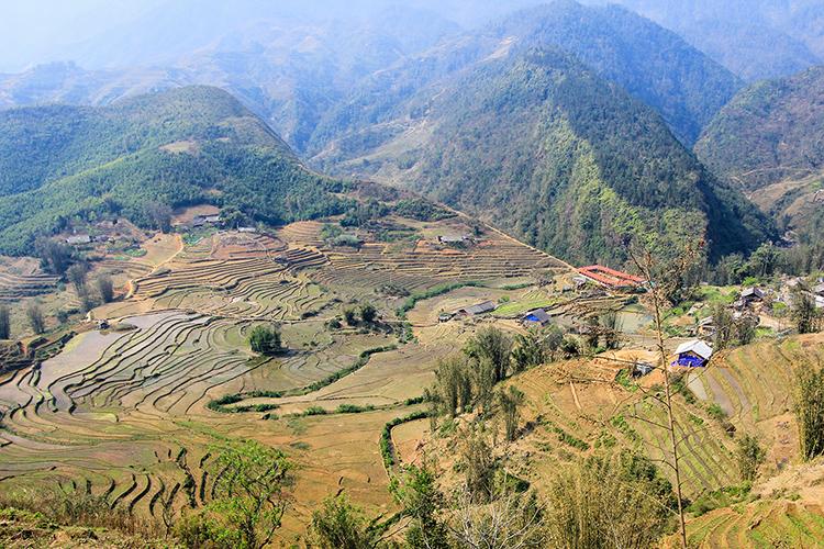 Sapa Town View - Vietnam - Wanderlusters