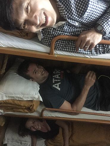 Vietnam 6 Person Sleeper Trains - Wanderlusters (3x4)