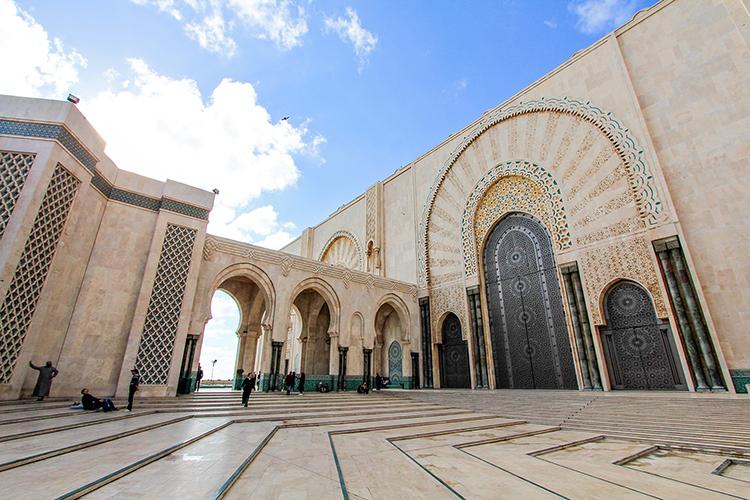 Hassan II Mosque Architecture - Casablanca Morocco - Wanderlusters